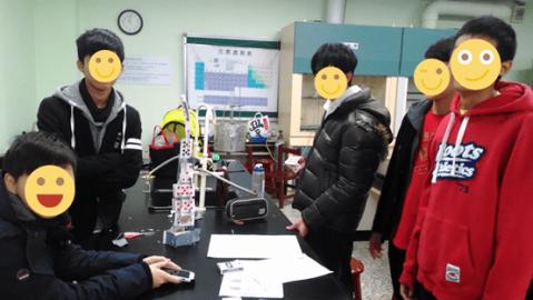 創造教室討論的氛圍──初次見面的Poker塔